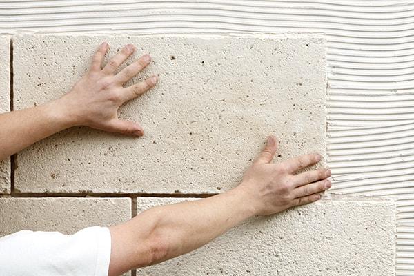 Ugradnja zidnih obloga lijevani kamen TERRA SOL